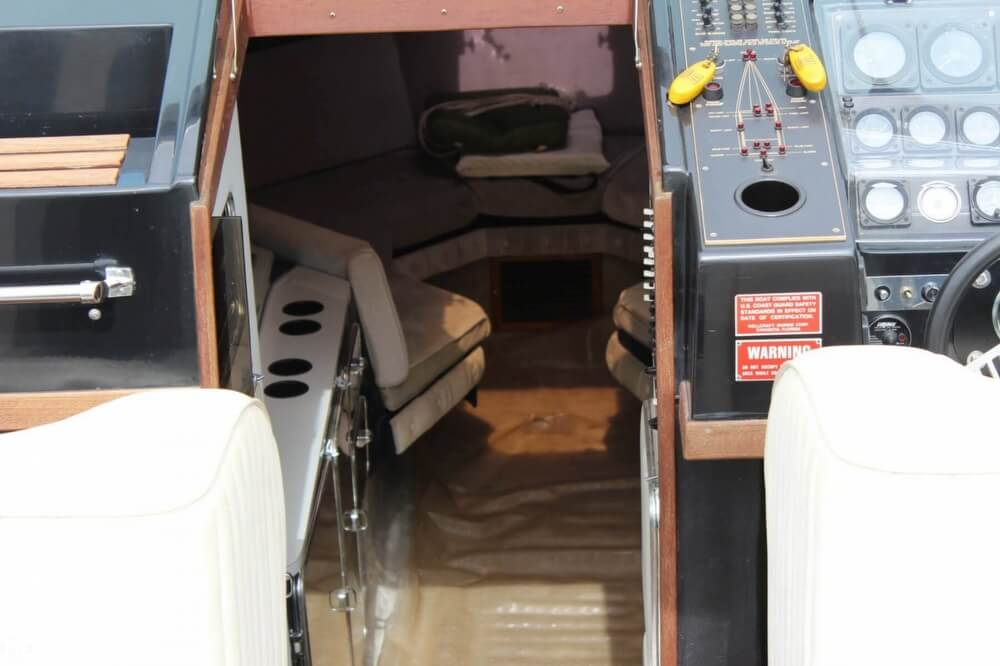 1986 Wellcraft boat for sale, model of the boat is 42 Excalibur Eagle & Image # 20 of 40