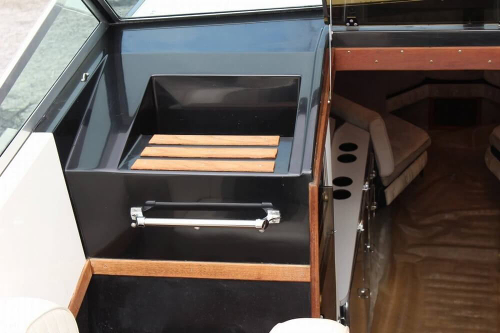 1986 Wellcraft boat for sale, model of the boat is 42 Excalibur Eagle & Image # 25 of 40