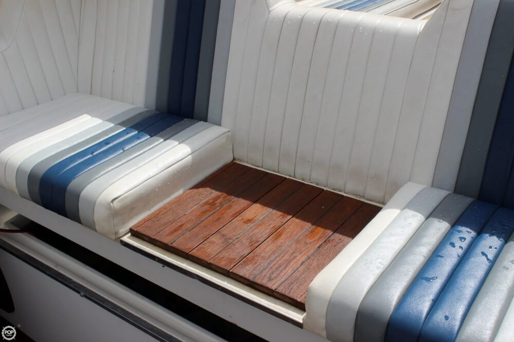 1986 Wellcraft boat for sale, model of the boat is 42 Excalibur Eagle & Image # 33 of 40
