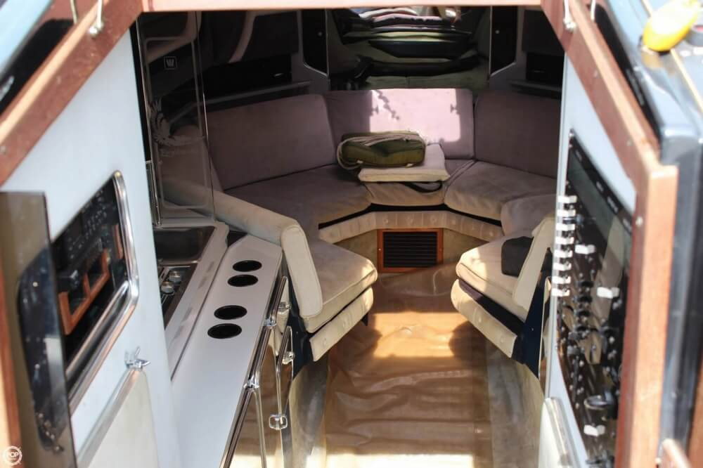 1986 Wellcraft boat for sale, model of the boat is 42 Excalibur Eagle & Image # 6 of 40