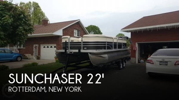 2014 SUNCHASER 8522 CLASSIC CRUISE LOUNGER for sale