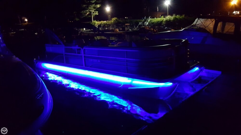 2014 Sunchaser 8522 Classic Cruise Lounger - Photo #9