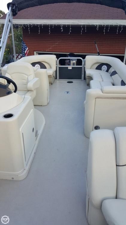 2014 Sunchaser 8522 Classic Cruise Lounger - Photo #12