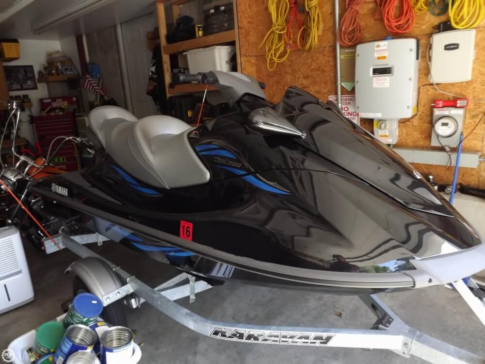 2014 Yamaha boat for sale, model of the boat is VX Cruiser & Image # 11 of 41