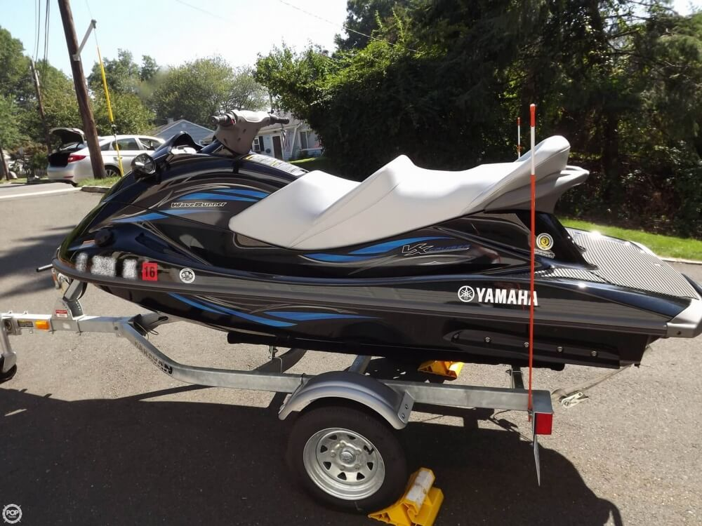 2014 Yamaha boat for sale, model of the boat is VX Cruiser & Image # 4 of 41