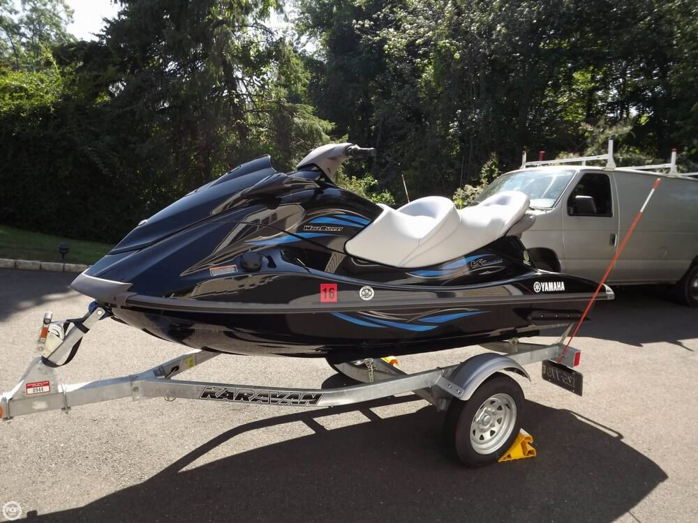 2014 Yamaha boat for sale, model of the boat is VX Cruiser & Image # 3 of 41