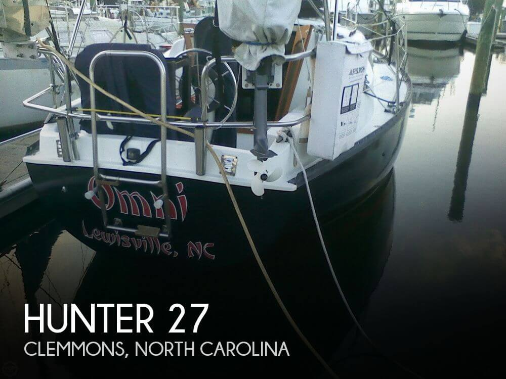 1981 Hunter 27 - Photo #1