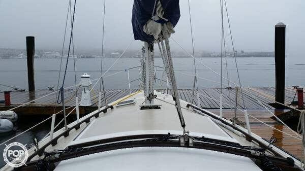 1982 Catalina 30 Tall Rig - Photo #4
