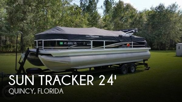 2014 Sun Tracker Party Barge 24 DLX XP3 Tritoon - Photo #1