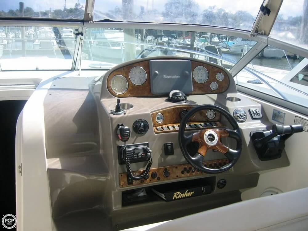 2006 Rinker 360 Express Cruiser - Photo #2