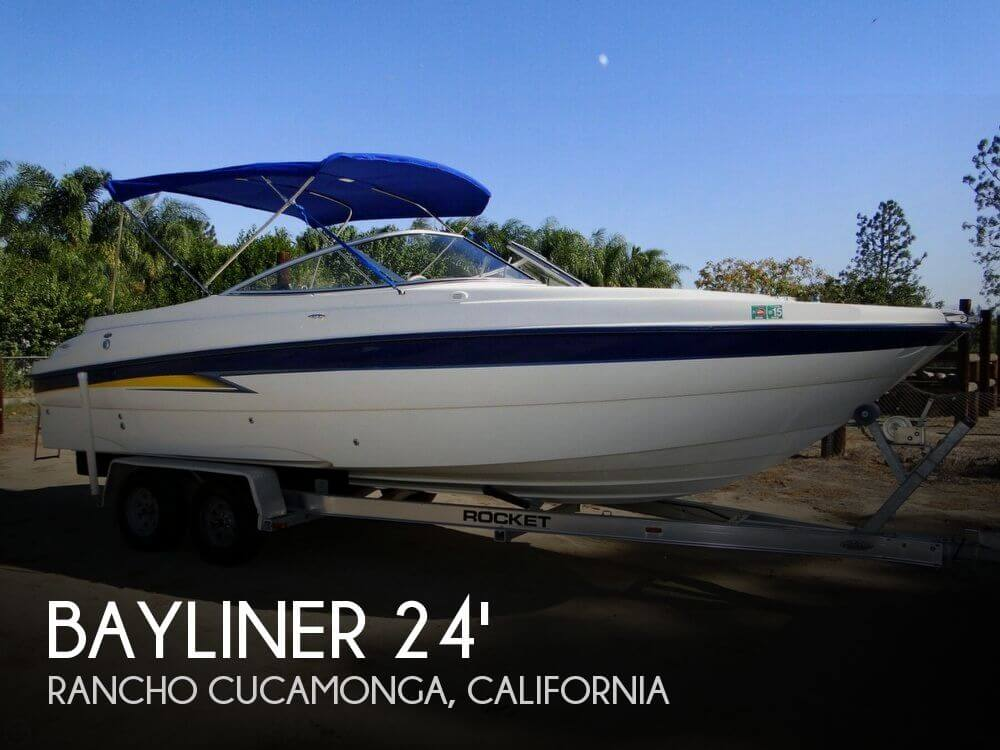 2004 Bayliner 249 SunDeck - Photo #1