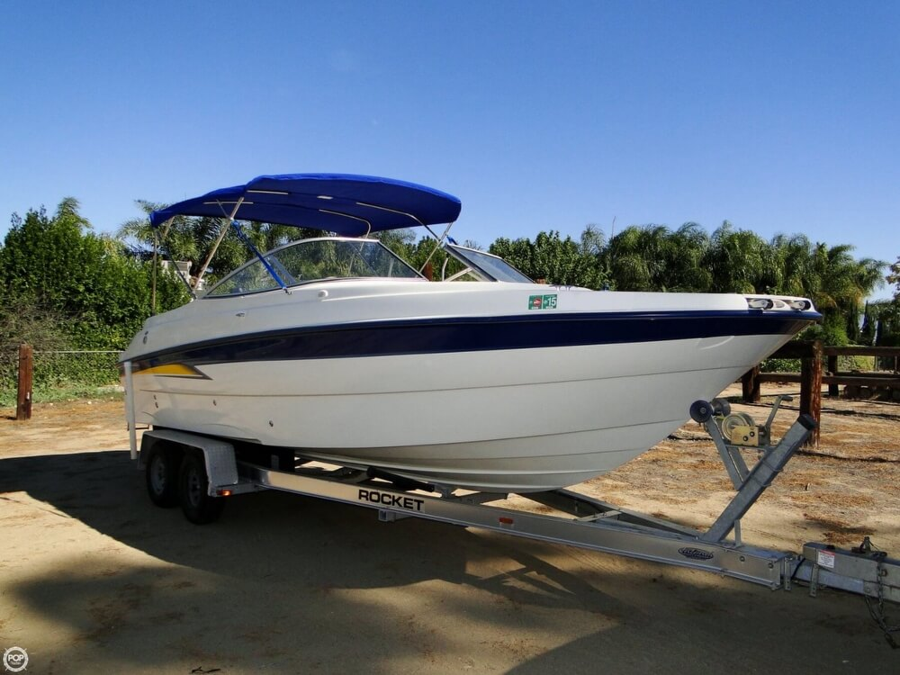2004 Bayliner 249 SunDeck - Photo #2