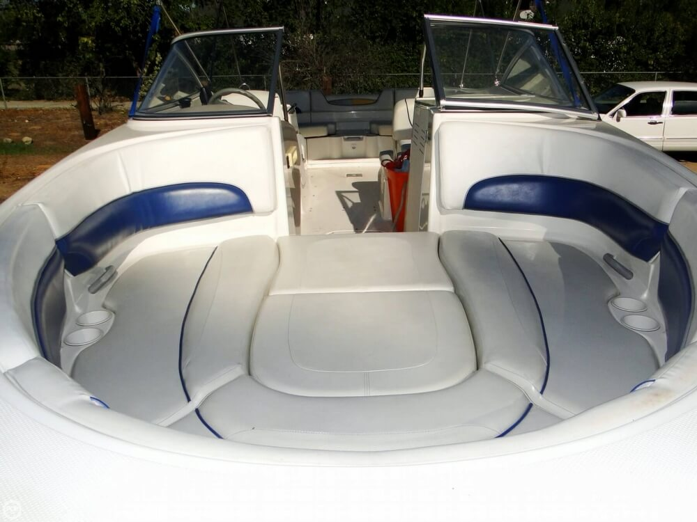 2004 Bayliner 249 SunDeck - Photo #4