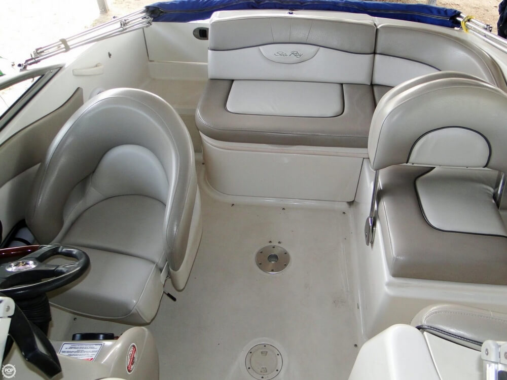 2004 Sea Ray 200 Sundeck - Photo #11