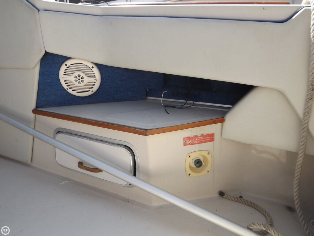 1988 Sea Ray 300 Sundancer - Photo #33