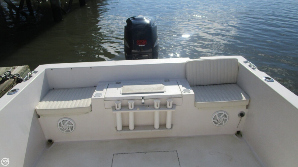 Transom Seating And Livewell