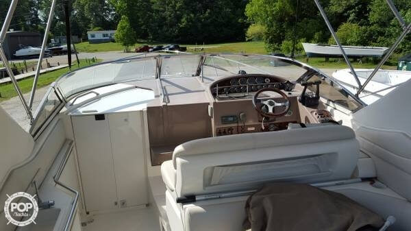 2002 Regal boat for sale, model of the boat is 3260 Commodore & Image # 5 of 40