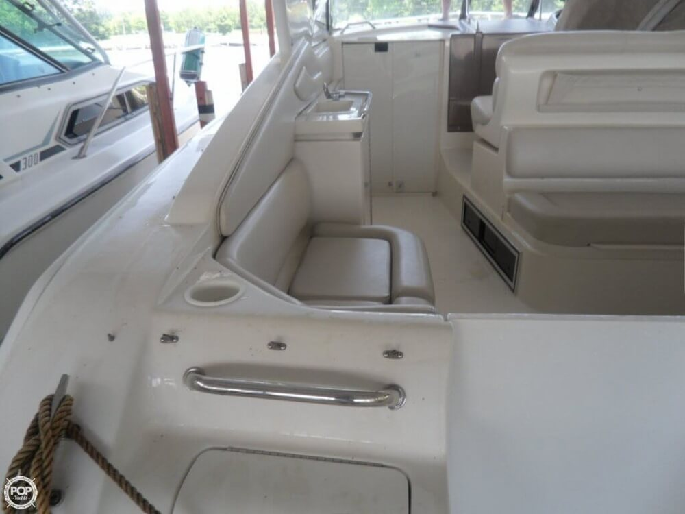 2002 Regal boat for sale, model of the boat is 3260 Commodore & Image # 21 of 40