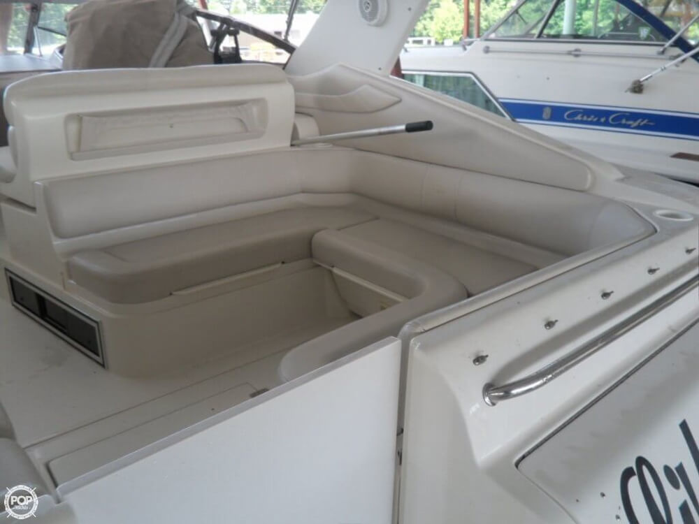 2002 Regal boat for sale, model of the boat is 3260 Commodore & Image # 22 of 40