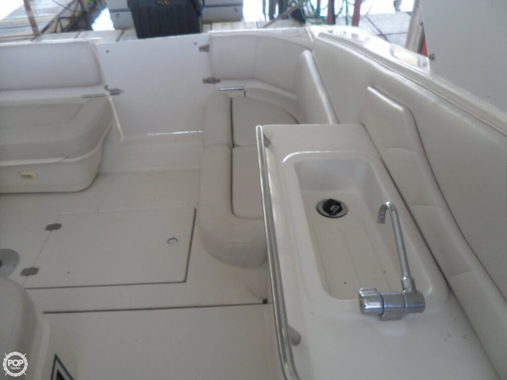 2002 Regal boat for sale, model of the boat is 3260 Commodore & Image # 24 of 40