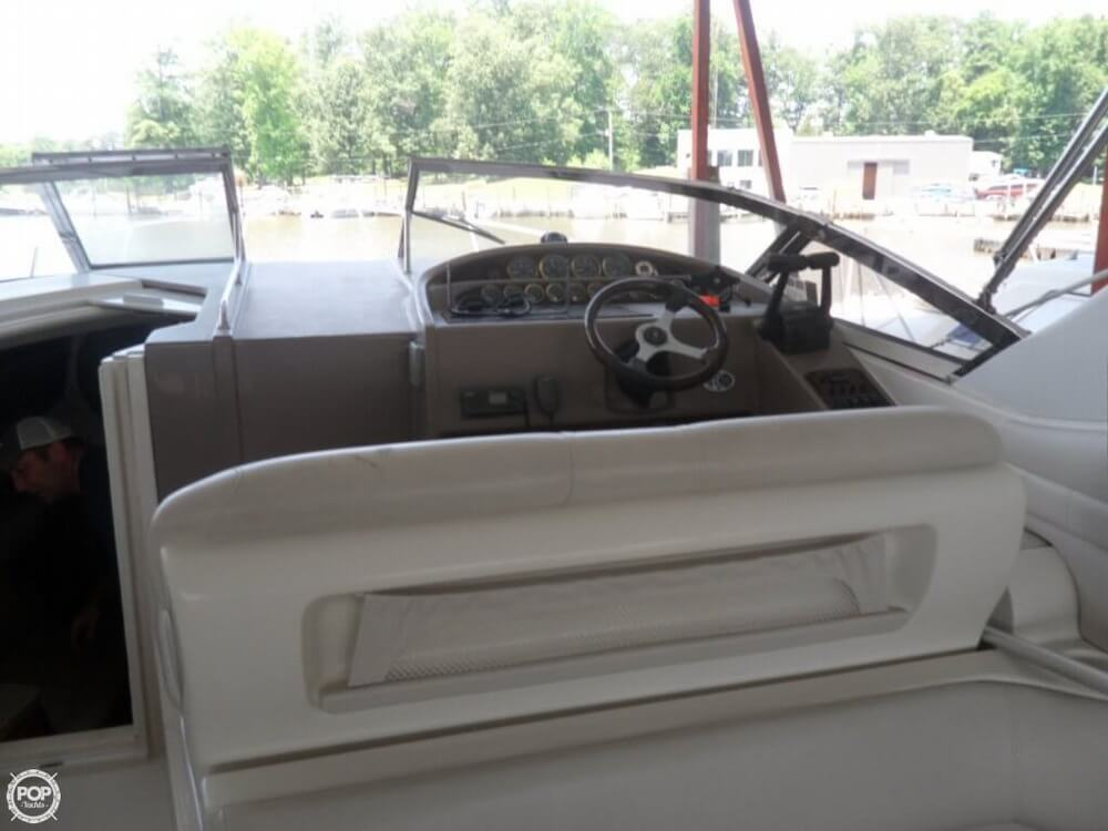 2002 Regal boat for sale, model of the boat is 3260 Commodore & Image # 27 of 40