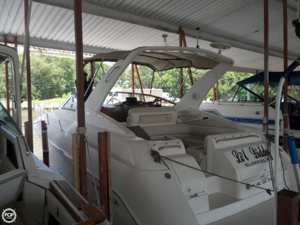 2002 Regal boat for sale, model of the boat is 3260 Commodore & Image # 35 of 40