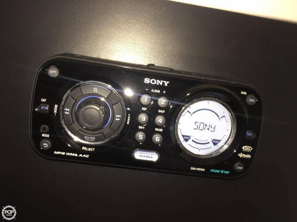 2011 Sea Ray 300 SLX Bowrider - Photo #7