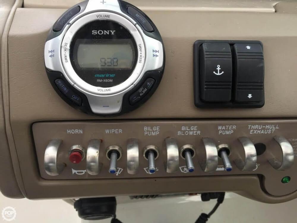 2011 Sea Ray 300 SLX Bowrider - Photo #12