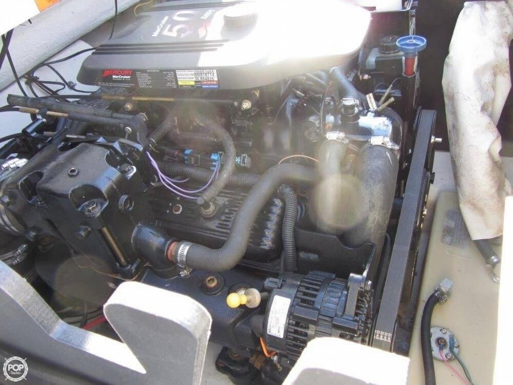 2004 Tahoe 21 Q7 Series - Photo #20