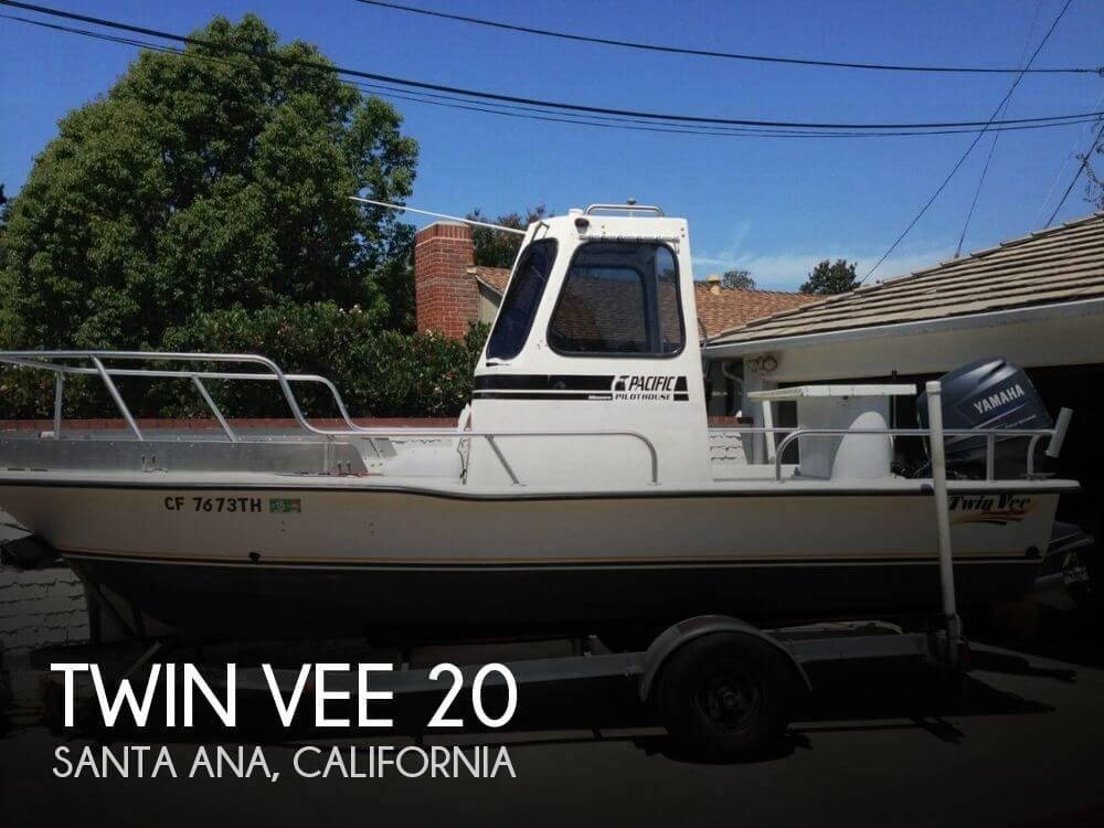2002 Twin Vee 20 - Photo #1