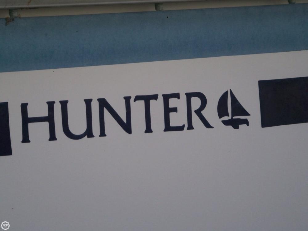 1987 Hunter 31 Sloop - Photo #24