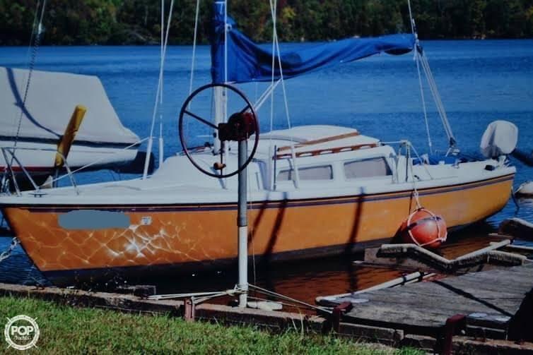 1977 Catalina 22 - Photo #2