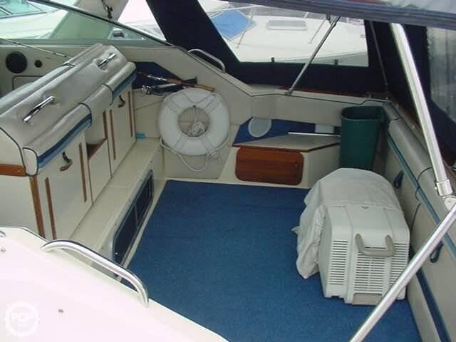 1986 Sea Ray 300 Sundancer - Photo #6