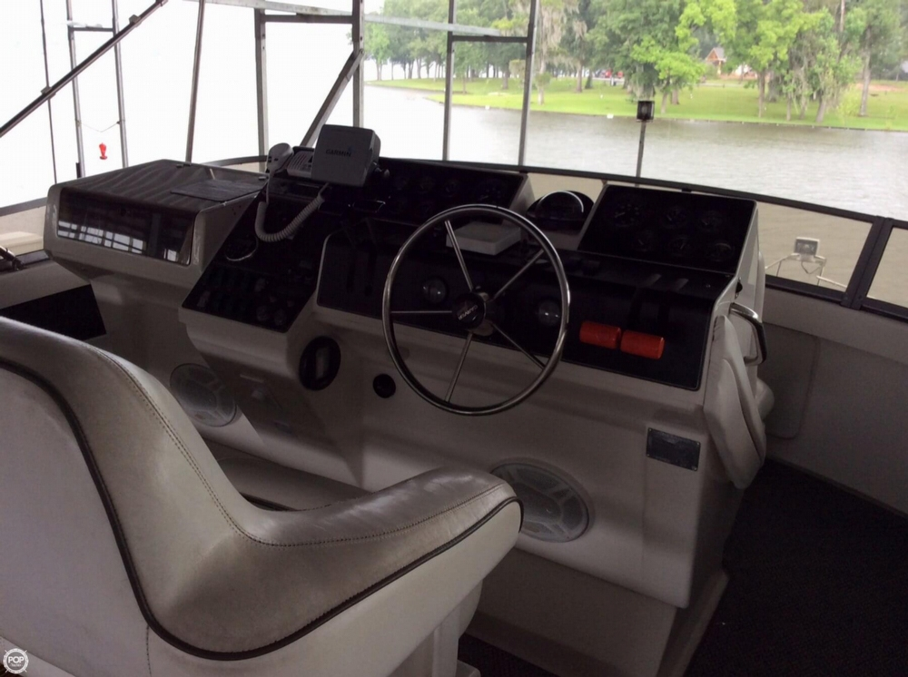 1996 Carver 400 Cockpit Motor Yacht - Photo #29