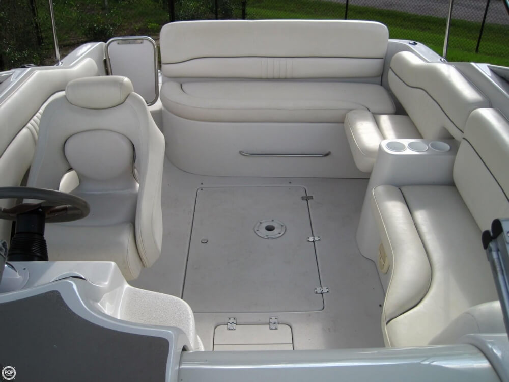 2004 Crownline 235 CCR - Photo #6