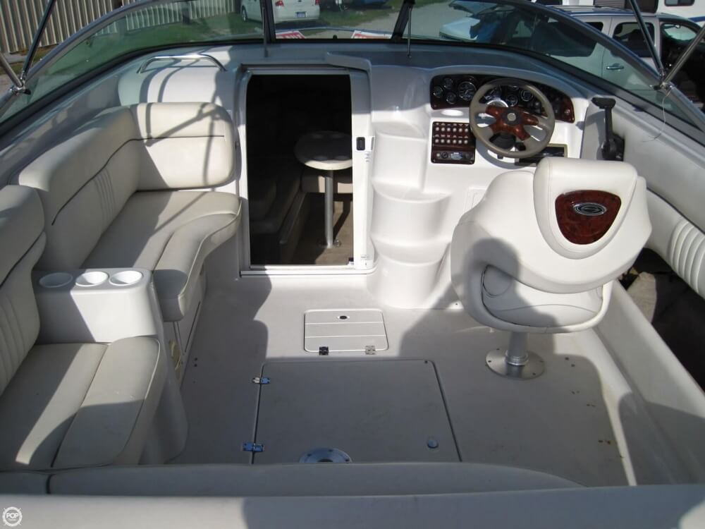 2004 Crownline 235 CCR - Photo #7