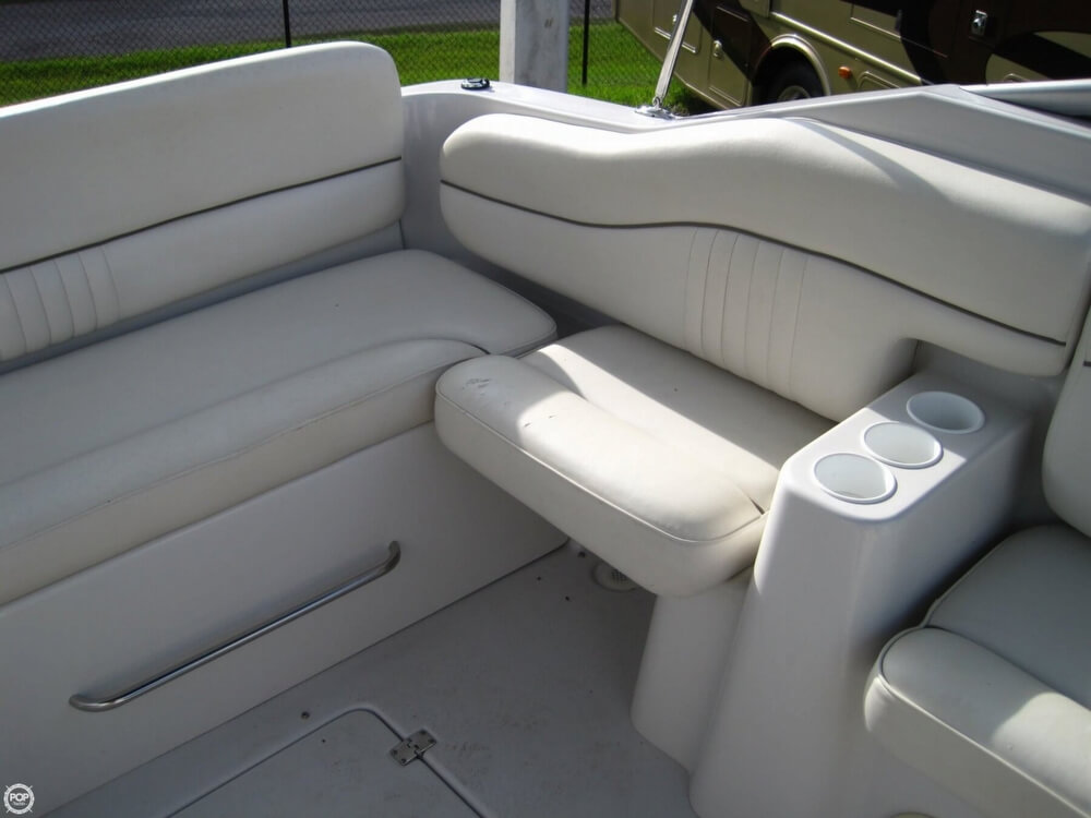 2004 Crownline 235 CCR - Photo #8