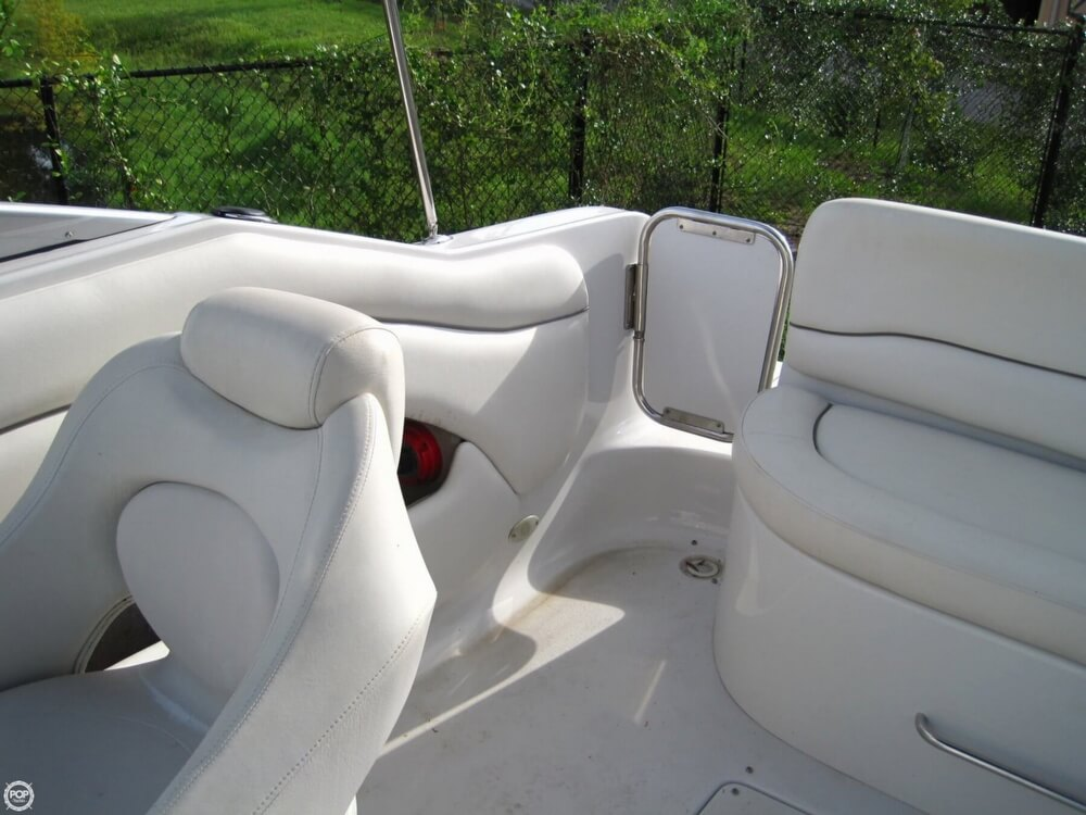 2004 Crownline 235 CCR - Photo #9