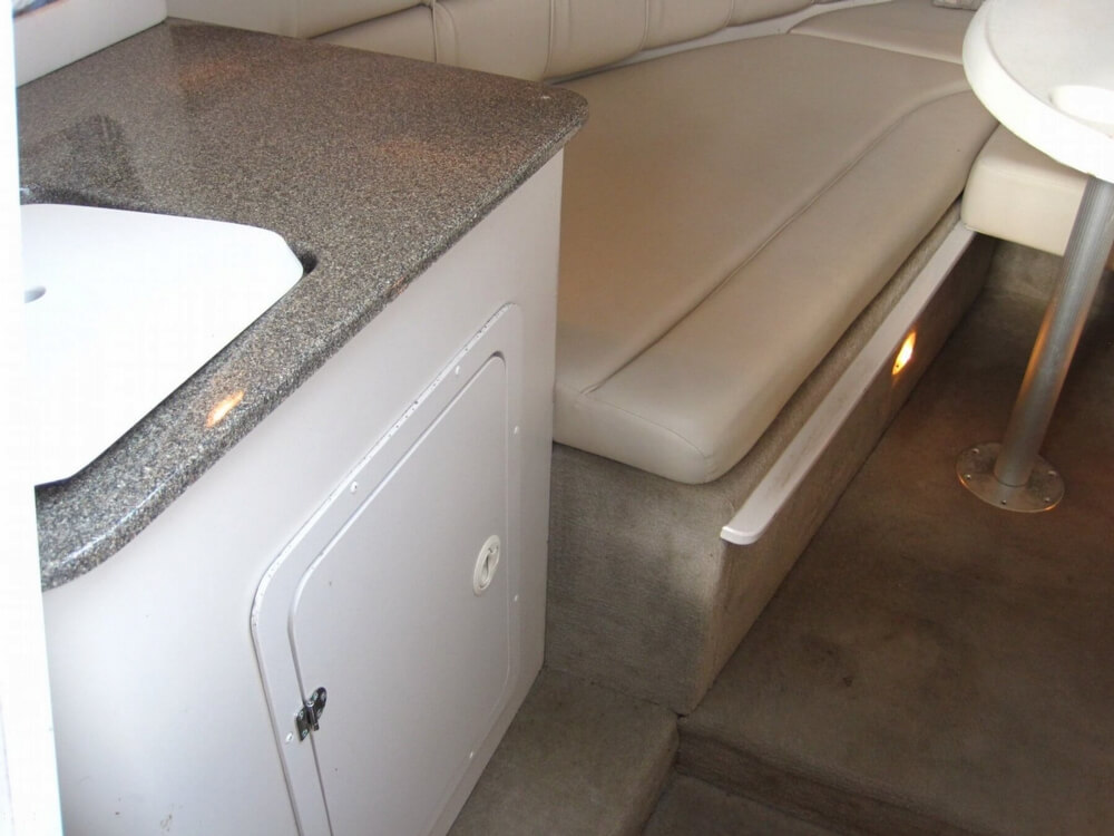 2004 Crownline 235 CCR - Photo #32