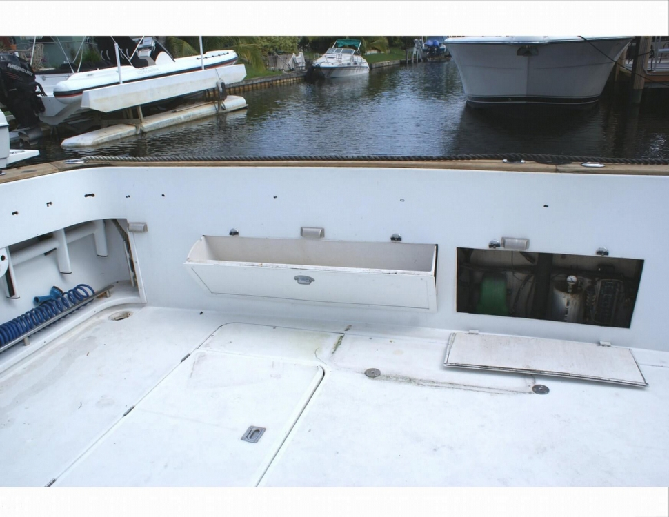 STORAGE IN TRANSOM
