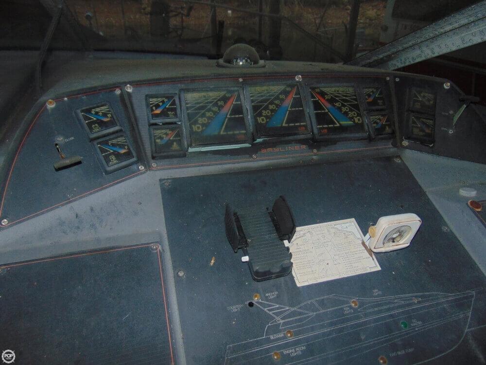 1988 Bayliner Avanti 3450 - Photo #18