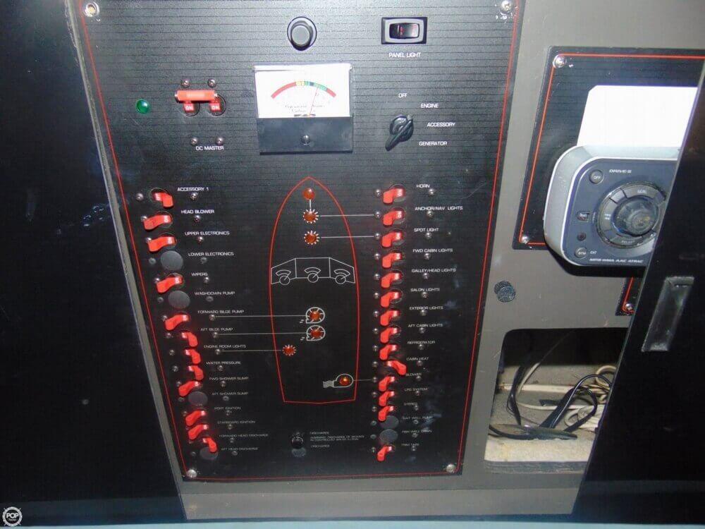 1988 Bayliner Avanti 3450 - Photo #30
