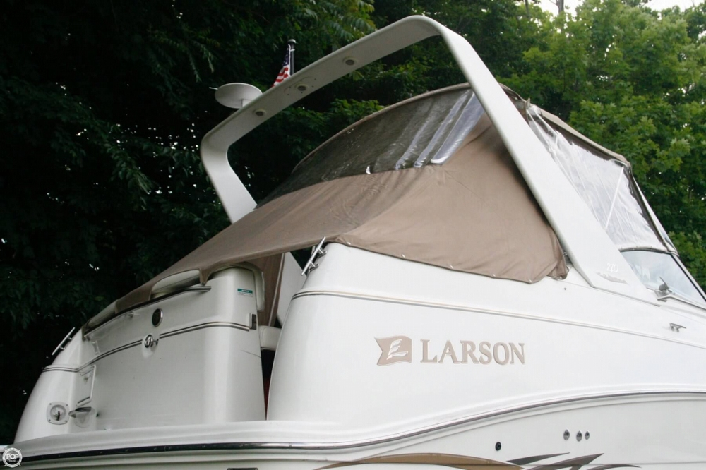 2000 Larson 270 Cabrio Cruiser - Photo #14