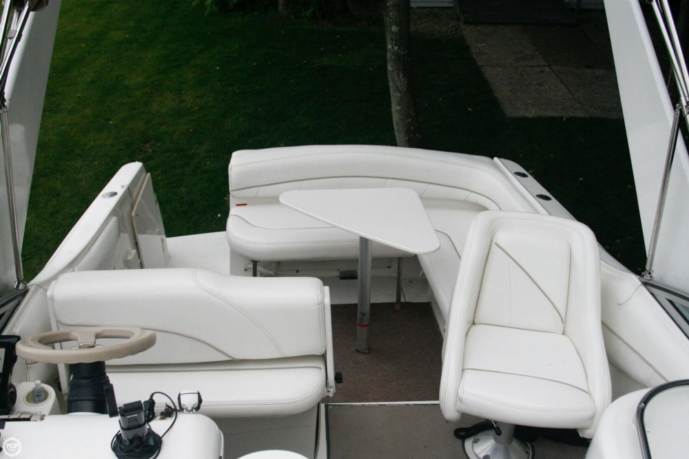 2000 Larson 270 Cabrio Cruiser - Photo #20