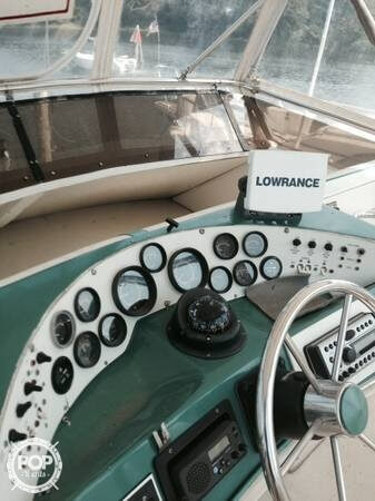 1984 Sea Ray boat for sale, model of the boat is SRV 390 & Image # 7 of 40