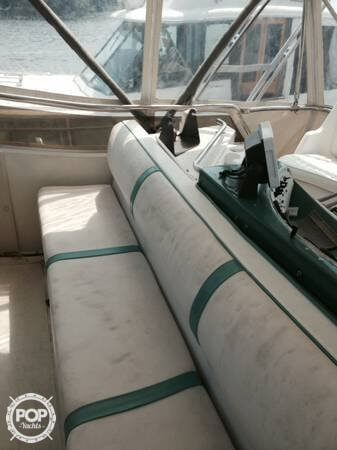 1984 Sea Ray boat for sale, model of the boat is SRV 390 & Image # 10 of 40