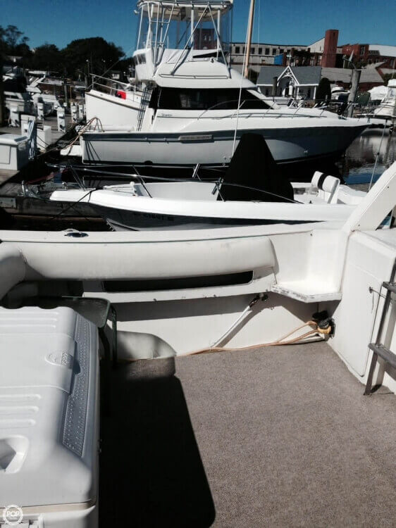 1984 Sea Ray boat for sale, model of the boat is SRV 390 & Image # 18 of 40