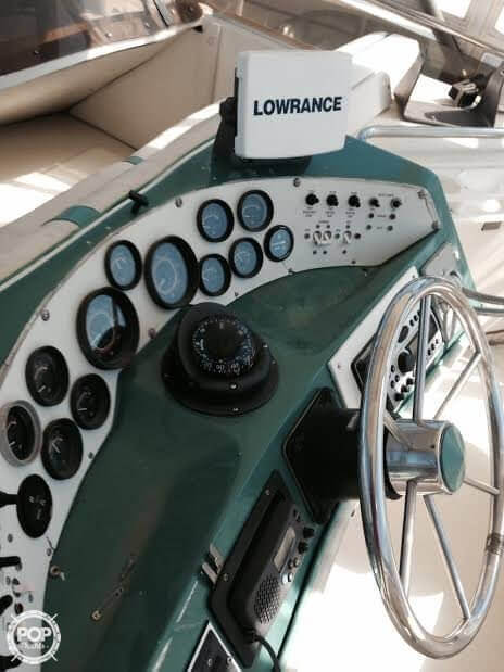 1984 Sea Ray boat for sale, model of the boat is SRV 390 & Image # 31 of 40