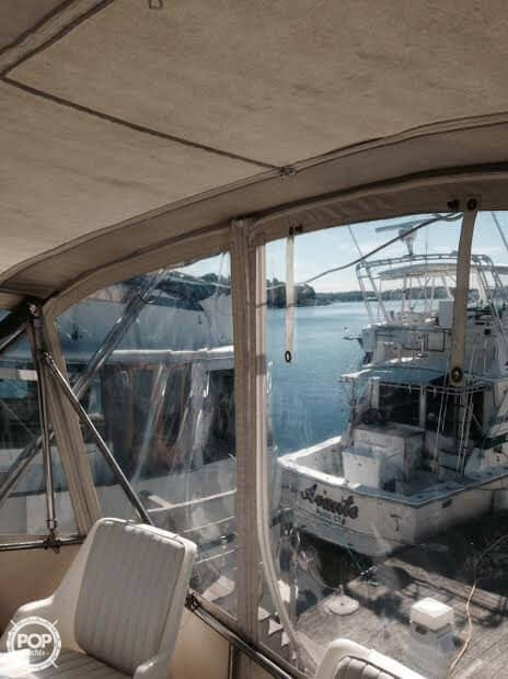 1984 Sea Ray boat for sale, model of the boat is SRV 390 & Image # 32 of 40