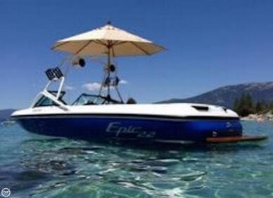 Epic Toyota Epic 22, 21', for sale - $23,500